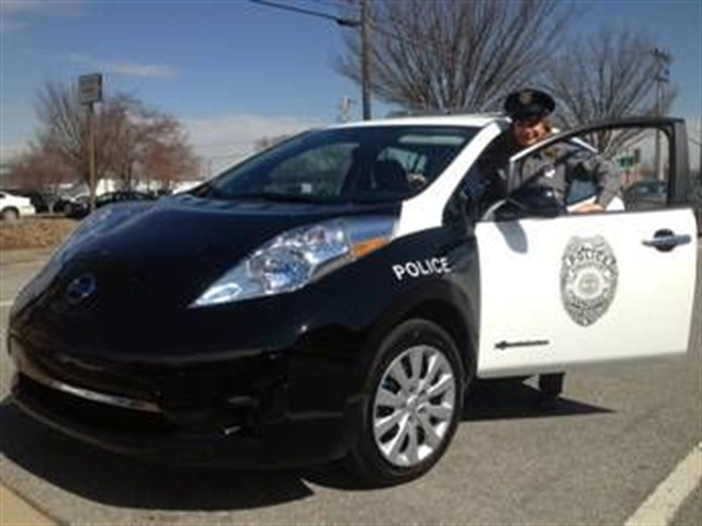 m-kingsport-leaf-police-car-1